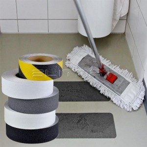 EASY CLEAN / ĽAHKO UDRŽIAVATEĽNÉ